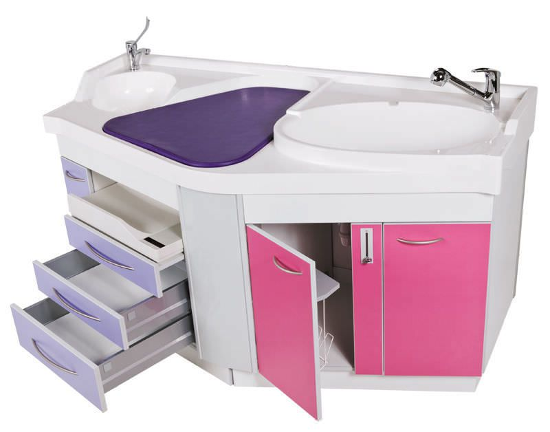 Changing table / with bath / with sink Pediamax Loxos