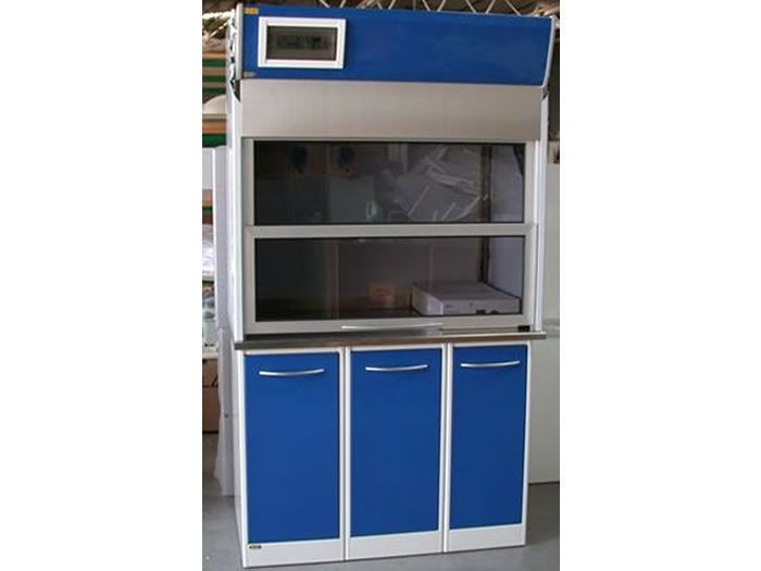Suction fume hood / dental laboratory Iride International