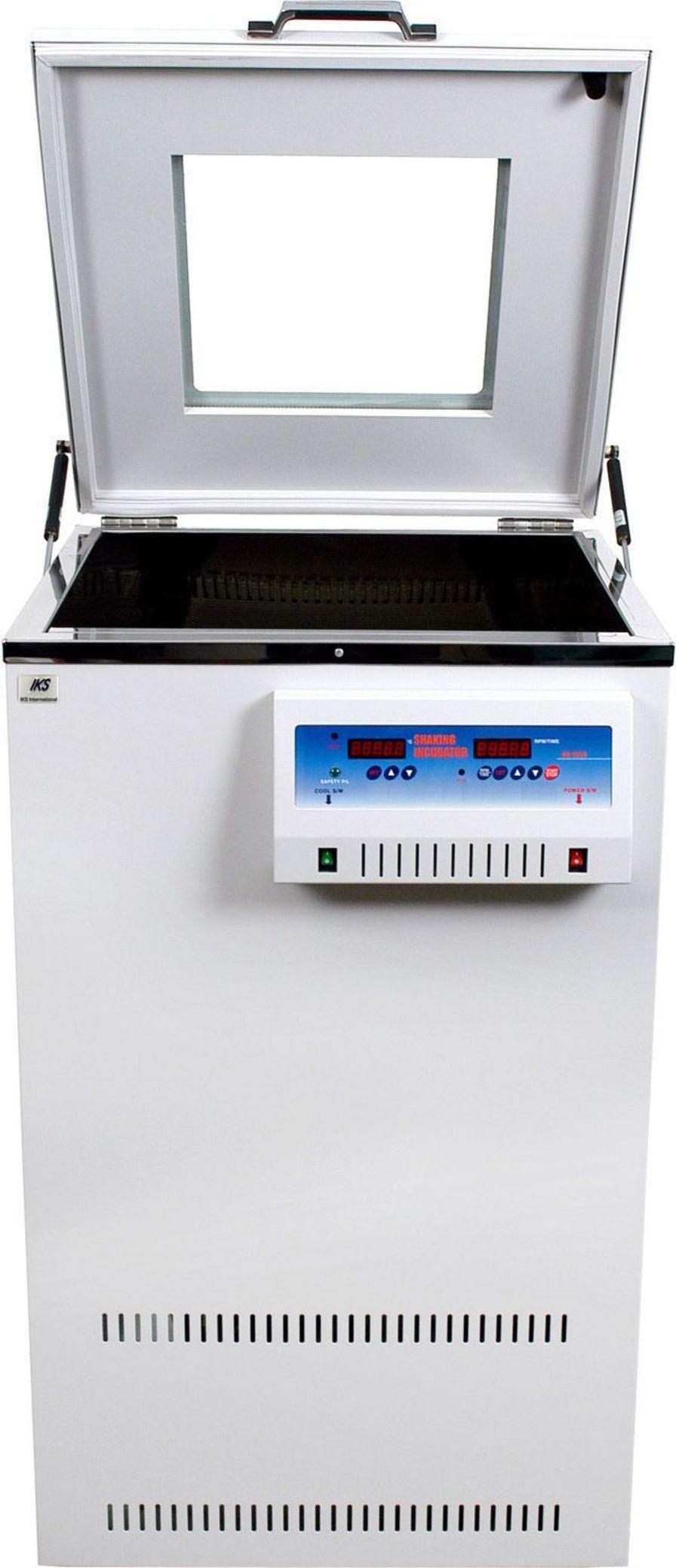 High-capacity laboratory incubator shaker IKS IKS International