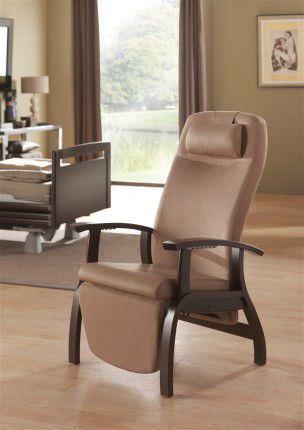 Reclining medical sleeper chair / with legrest / manual Fero 07580 Haelvoet