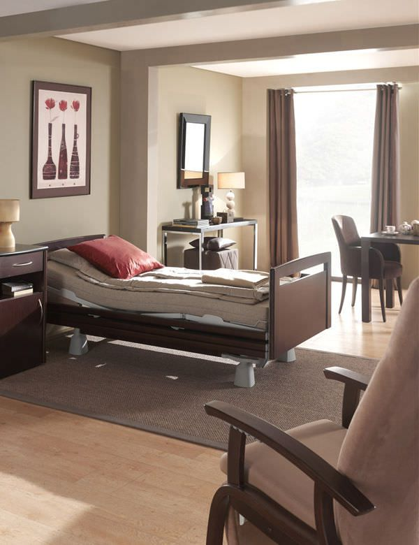 Nursing home bed / electrical / on casters / height-adjustable Artena Care Haelvoet