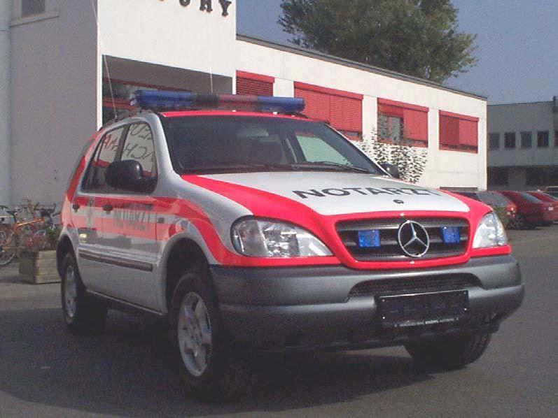 Emergency medical ambulance / 4x4 Mercedes M Dlouhy , Fahrzeugbau