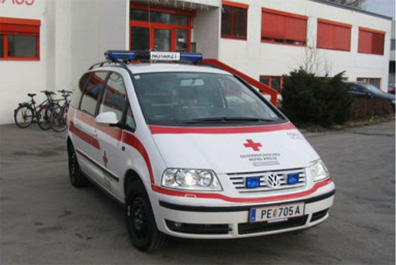 Emergency medical ambulance / light van VW Sharan Dlouhy , Fahrzeugbau