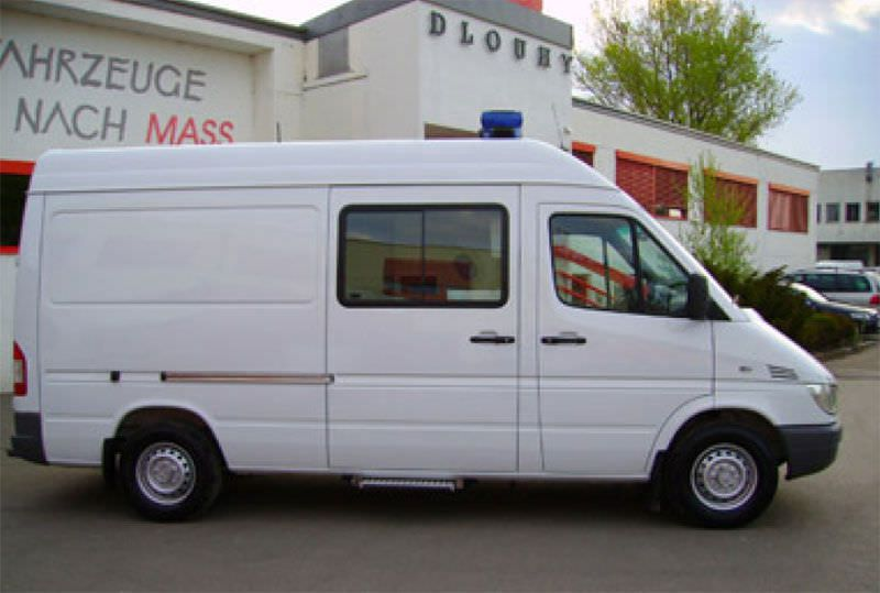 Intensive care medical ambulance / van Merc Sprinter Salzburg Dlouhy , Fahrzeugbau