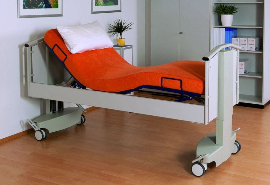 Electrical bed / height-adjustable / 4 sections / lifting column FullCare Bionic Medizintechnik