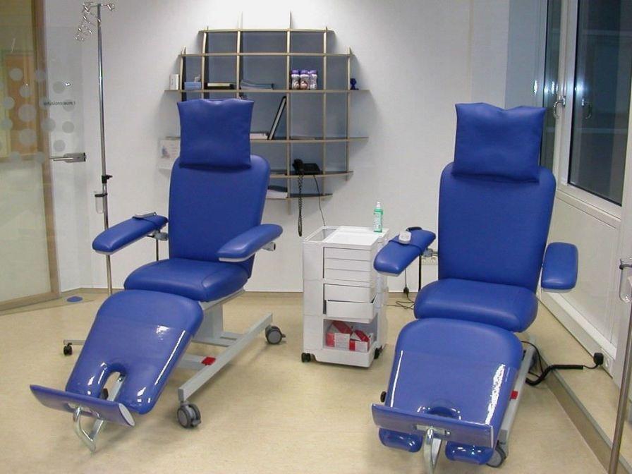 Electrical treatment armchair / on casters BasicLine Bionic Medizintechnik