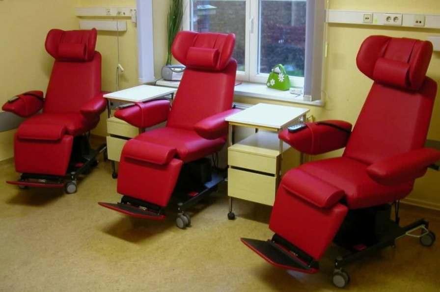 Electrical treatment armchair / height-adjustable / on casters PremiumLine Bionic Medizintechnik