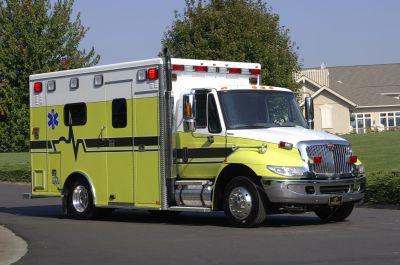 "Emergency medical ambulance / type I / box Navistar 4300 164"" TraumaHawk American Emergency Vehicles"