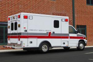 "Emergency medical ambulance / type III / box Ford E350 148"" TraumaHawk American Emergency Vehicles"