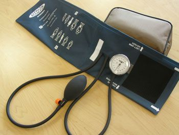 Cuff-mounted sphygmomanometer 0 - 300 mmHg | Pocket A C COSSOR & SON