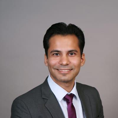 photo of Nitin Sapra, DMD