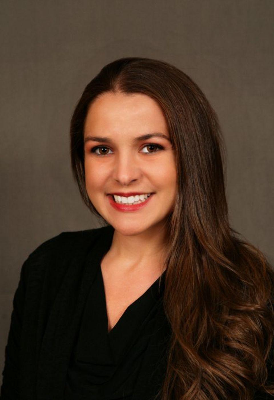 Janielle Silliman, DMD