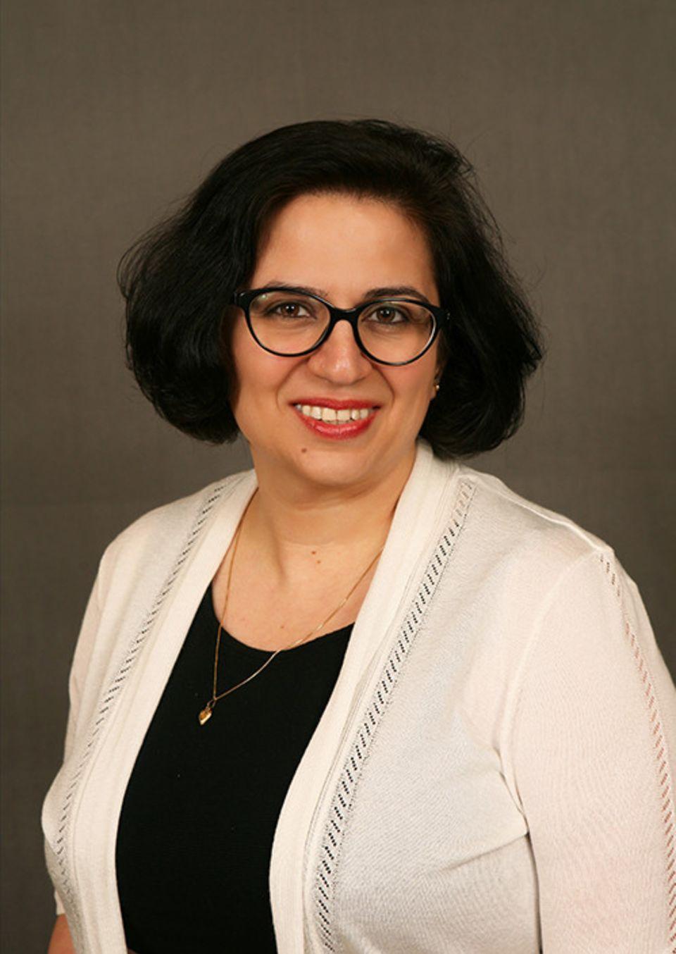 Behnaz Mahmoudi, DDS