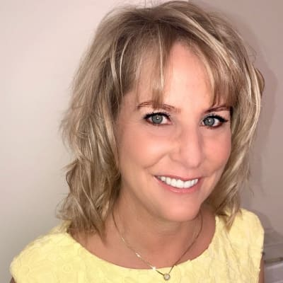 photo of Mary Anne Salcetti, DDS