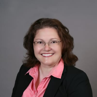 photo of Jennifer Engelhardt, DMD