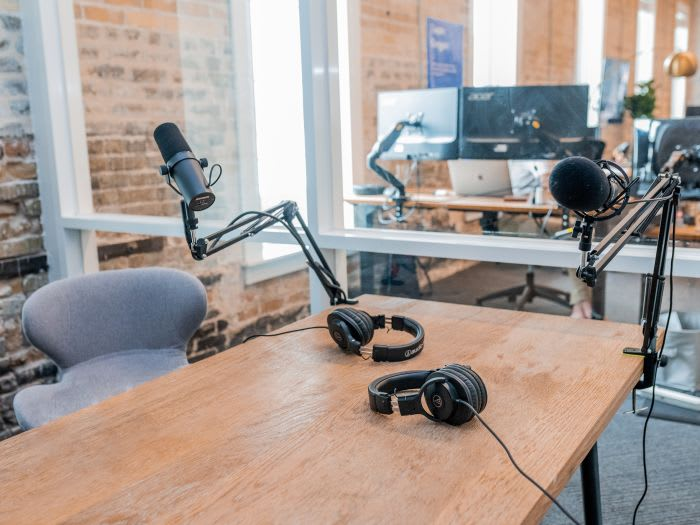 28 Must Listen Remote Work Podcasts in 2020