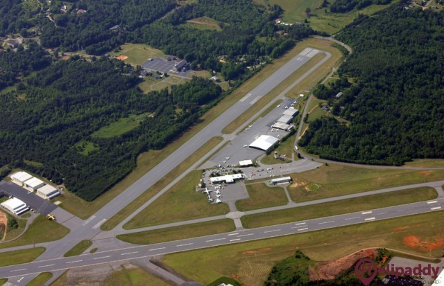 Hickory Regional Airport by helicopter