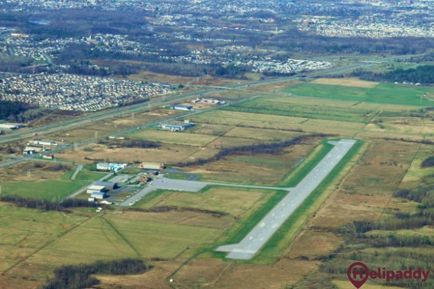 Gatineau-Ottawa Executive Airport by helicopter
