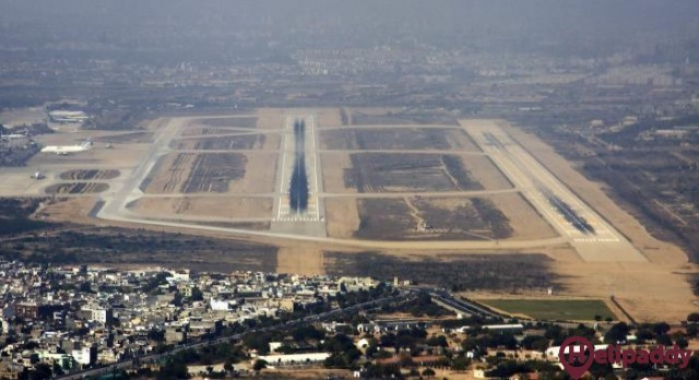 Karachi Jinnah International by helicopter