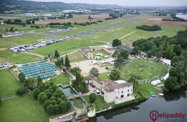 Villeneuve-sur-Lot Airport by helicopter