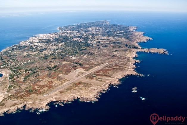 Ile d'Yeu Airport by helicopter