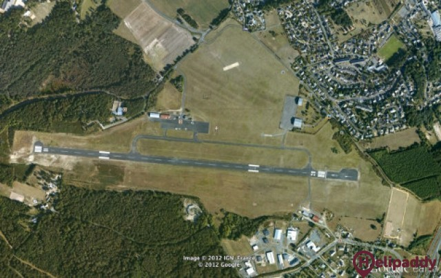 Saumur-Saint-Florent Airport by helicopter