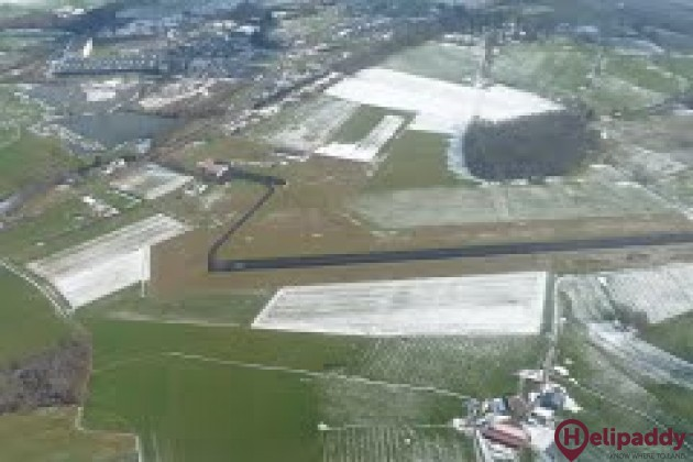 Autun-Bellevue Airport by helicopter