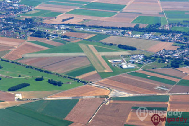 Vitry en Artois Airport by helicopter
