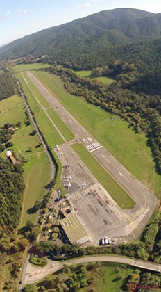 La Mole Airport by helicopter