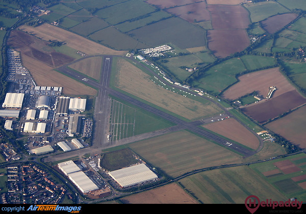 Wellesbourne Mountford by helicopter