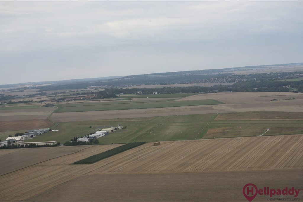 Chavenay Villepreux Airport by helicopter