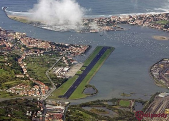 San Sebastián Airport by helicopter