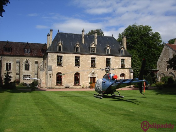 Abbaye de la Bussière by helicopter