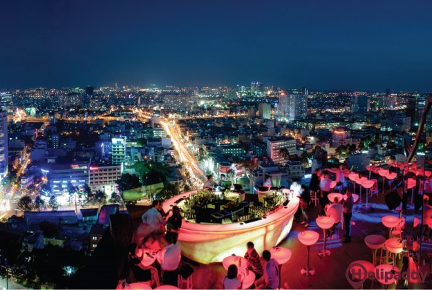 DWC , Saigon by helicopter