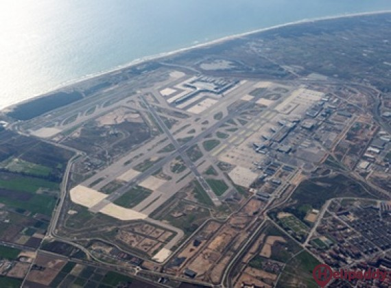 Barcelona–El Prat Airport by helicopter