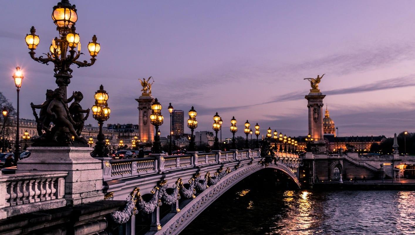 Eiffelturm Bootsfahrt Auf Der Seine Und Besichtigungstour Durch
