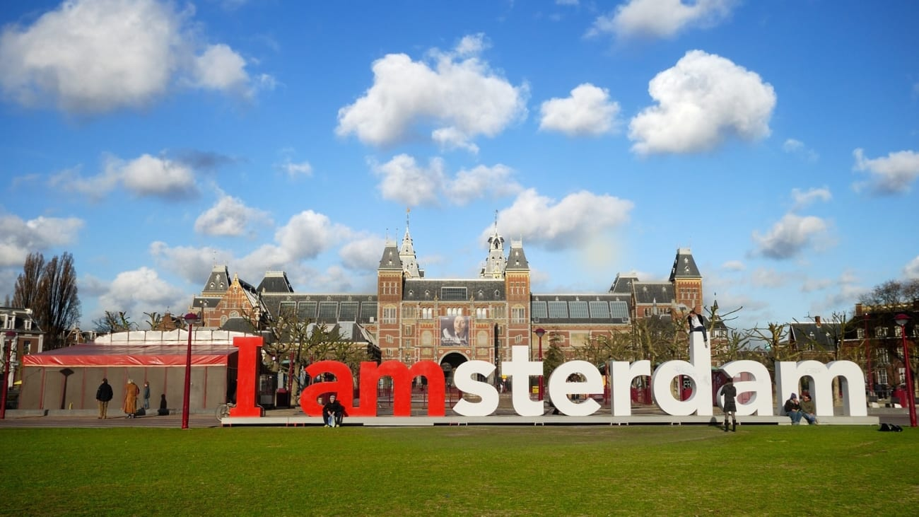 Hop on Hop off Bus Tours in Amsterdam