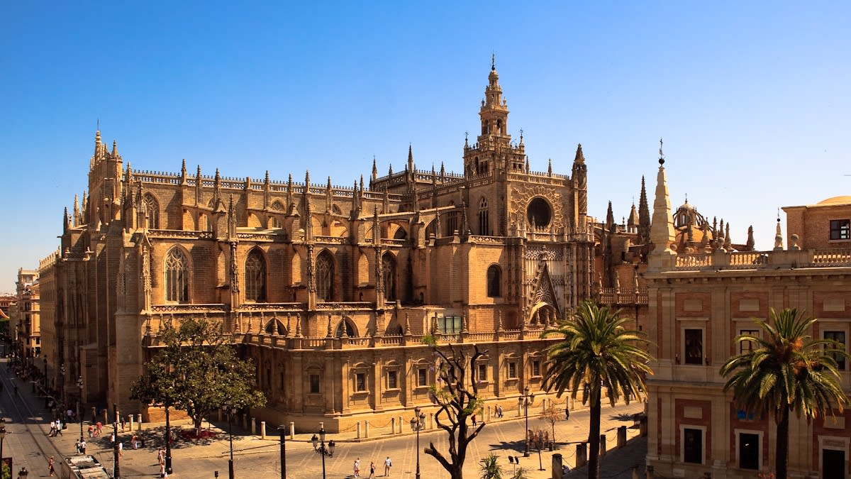 How to visit the Seville Cathedral, the Giralda and the Alcazar