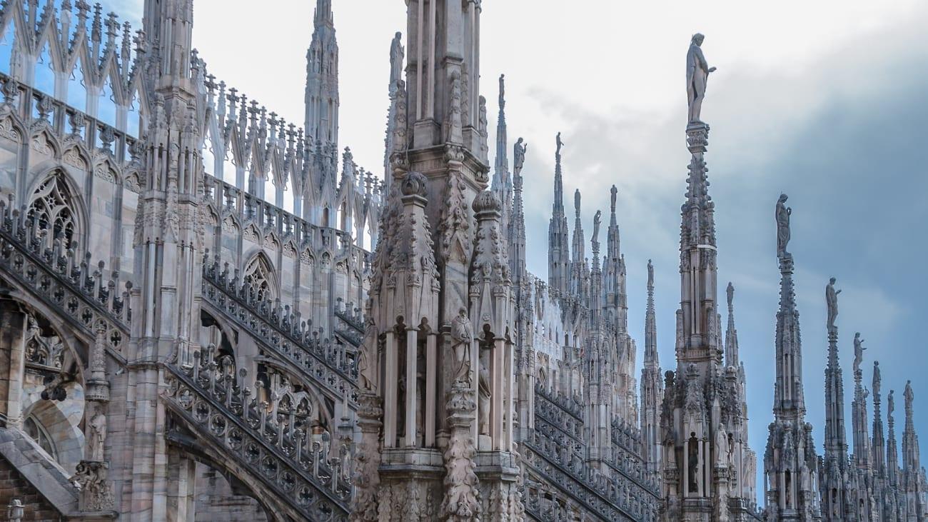 Hop on Hop off Bus Tours in Milan