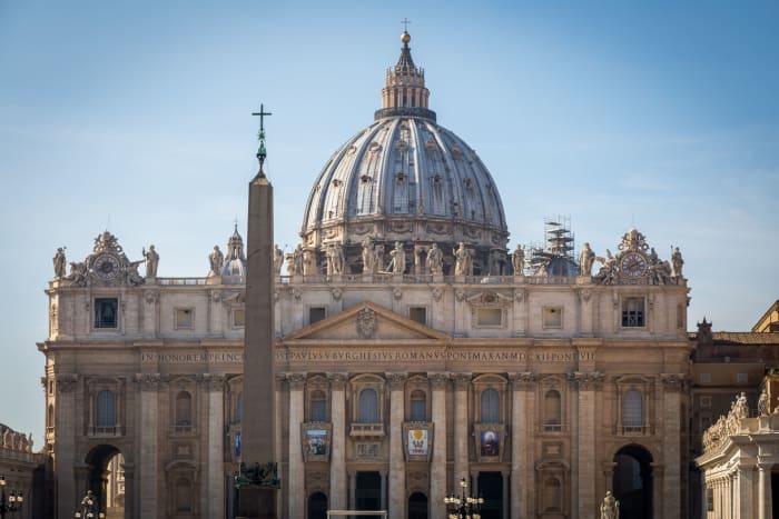 Fachada de la Basílica de San Pedro
