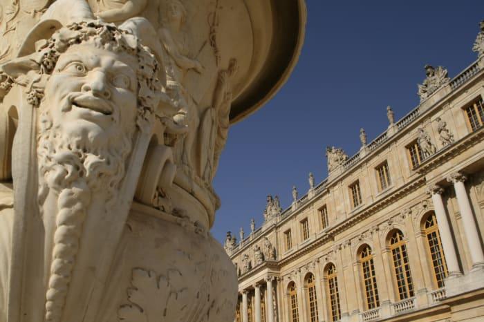 Detalle de una fuente en el exterior del Palacio de Versalles
