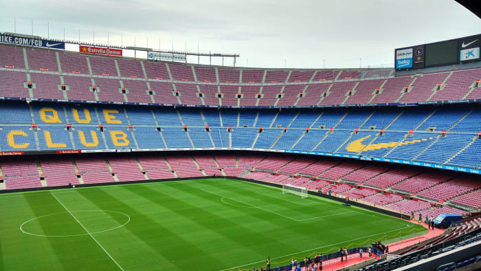 Vista do campo do estádio do F.C Barcelona