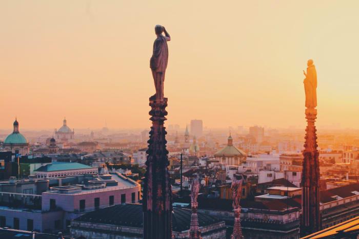 Pôr-do-sol no Praça do Duomo