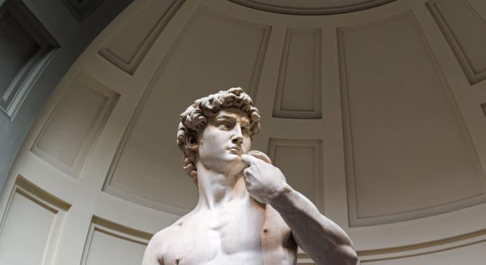 escultura de Davi por Michelangelo