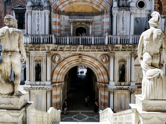 Entrada ao palácio