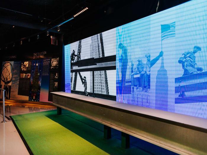 Exposición interactiva en el interior del Rockefeller Building | ©Malvina Battiston