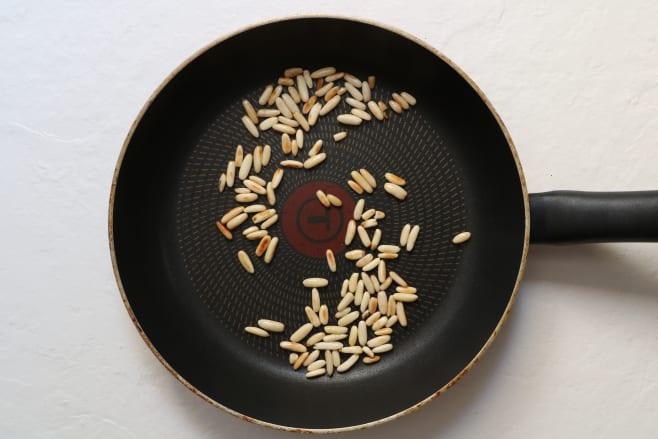 Toast nuts