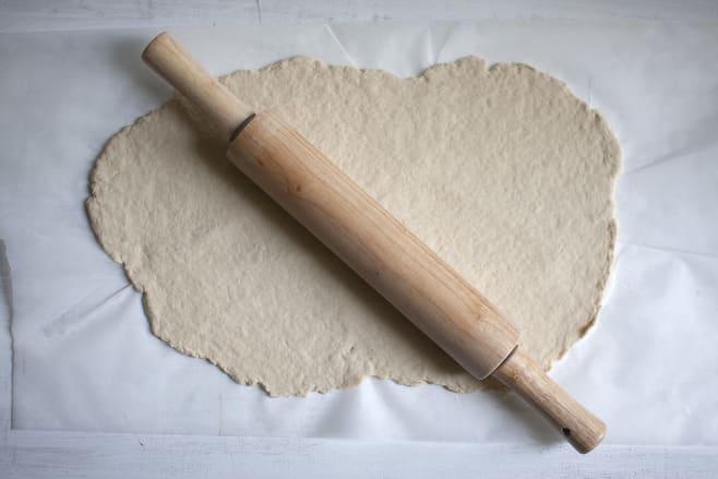 Form pizza base