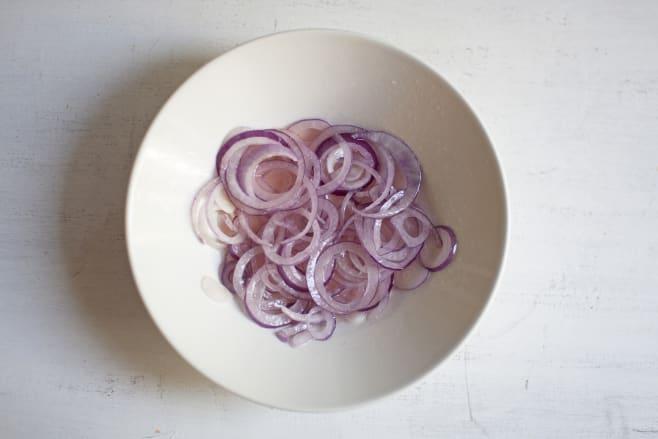 Marinate onion