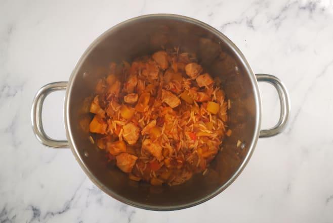 Cook jambalaya